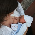 Is it safe for a Covid-19 positive mother to breastfeed